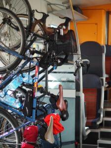 Pyörät junassa Virossa