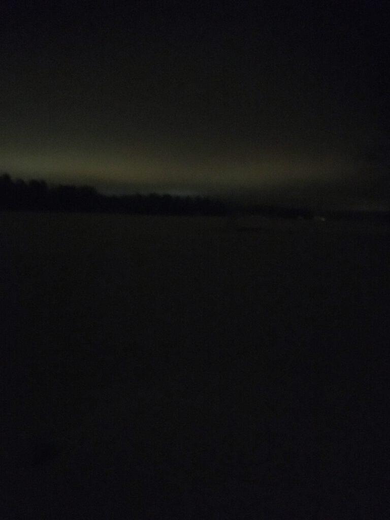 talviyö ulkona